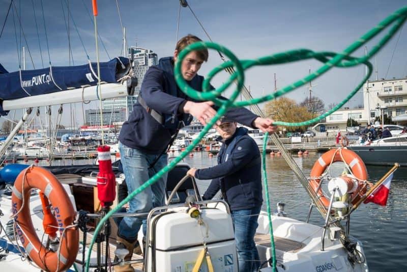 szkolenie manewrowe na jachcie morskim
