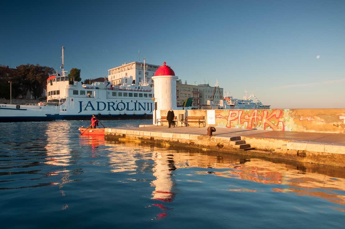 Zadar przeprawa na drugi brzeg łódką
