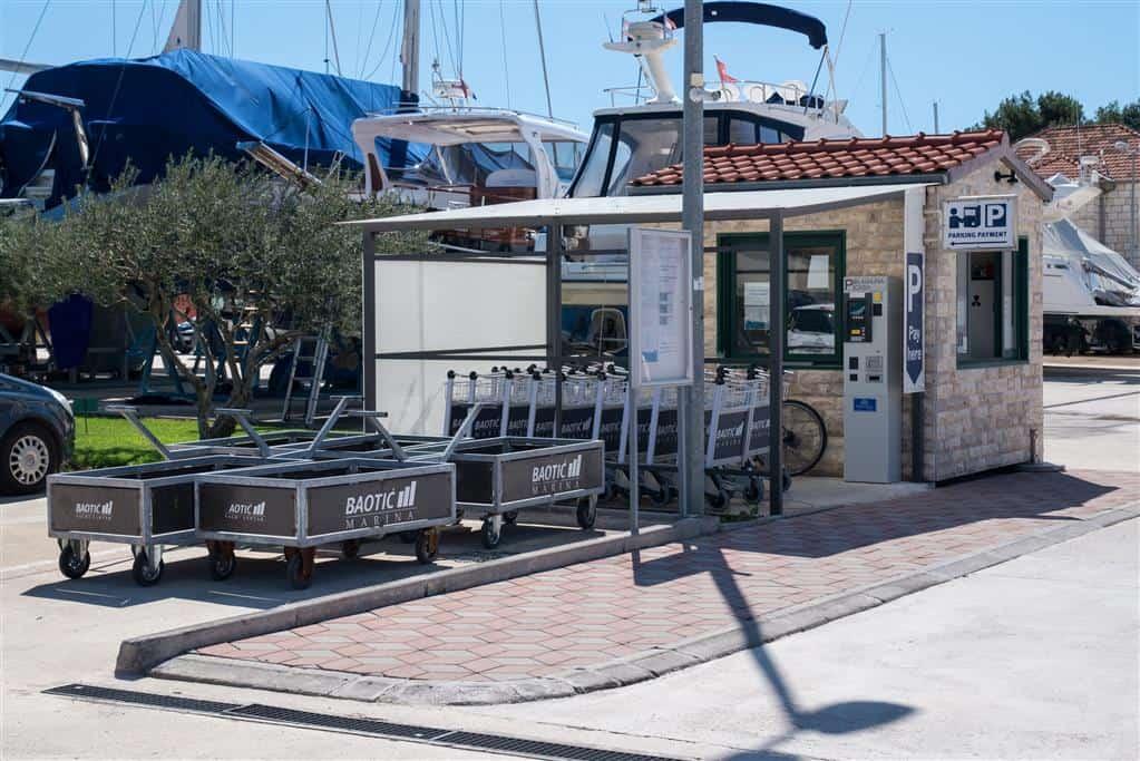 Marina Baotić parking