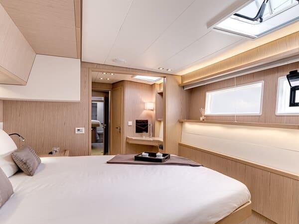 kabina na katamaranie Lagoon 52