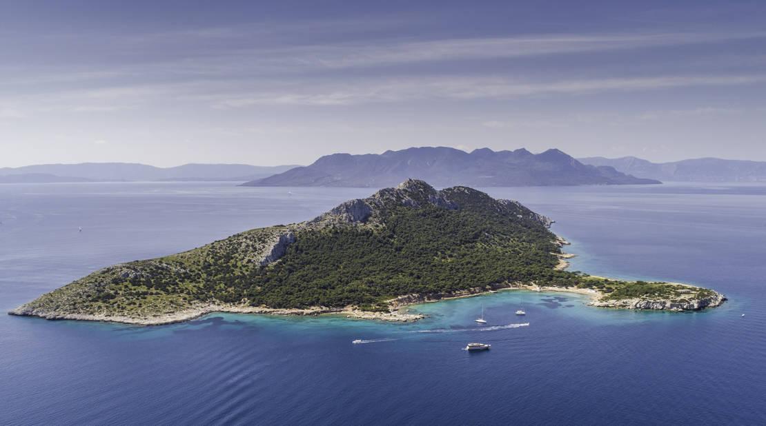 Wyspa Moni na Zatoce Sarońskiej