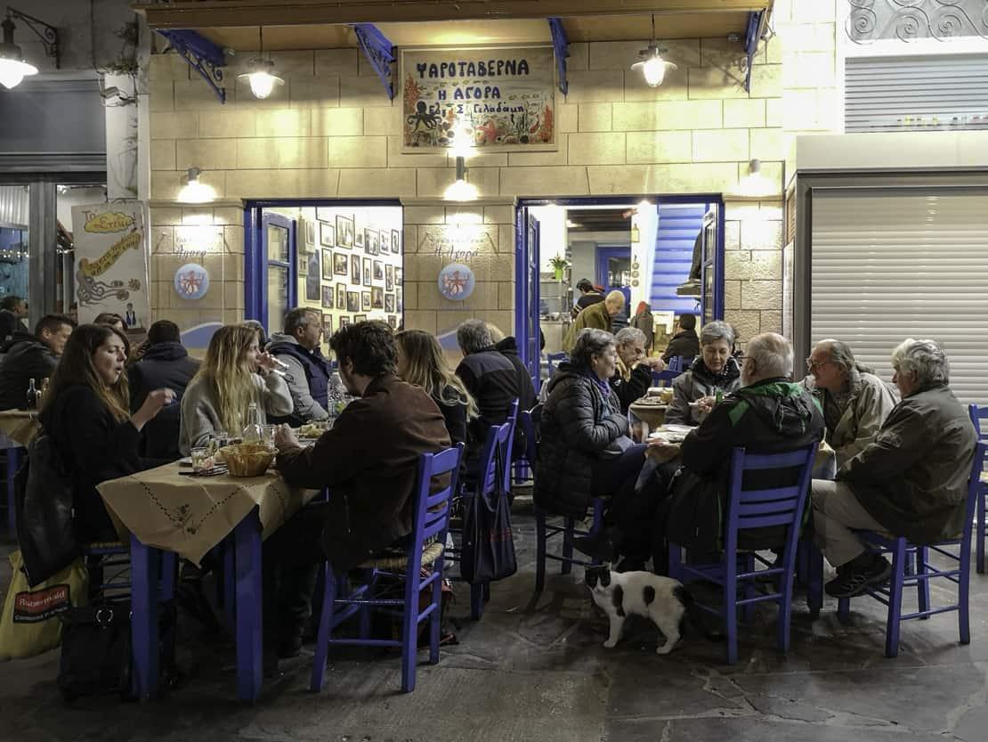 Tawerna To Agora w porcie Aegina