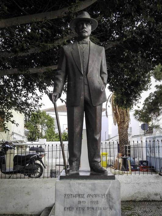 Spetses pomnik Anargyrosa