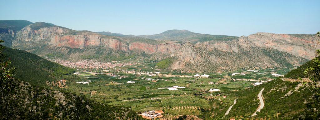 Dolina w której leży miasto Leonidio