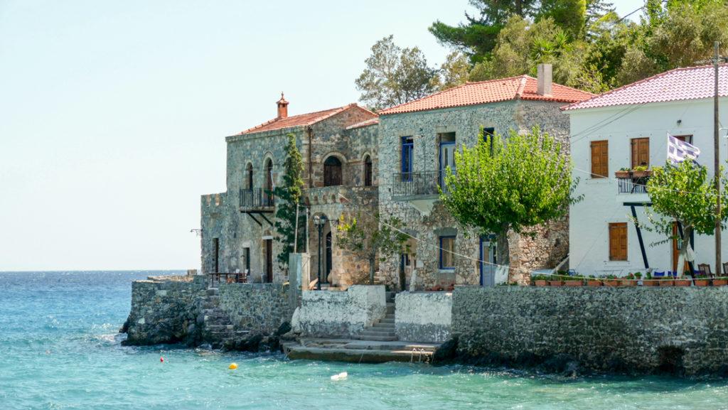 Kiparissi domy nad morzem w Paralii