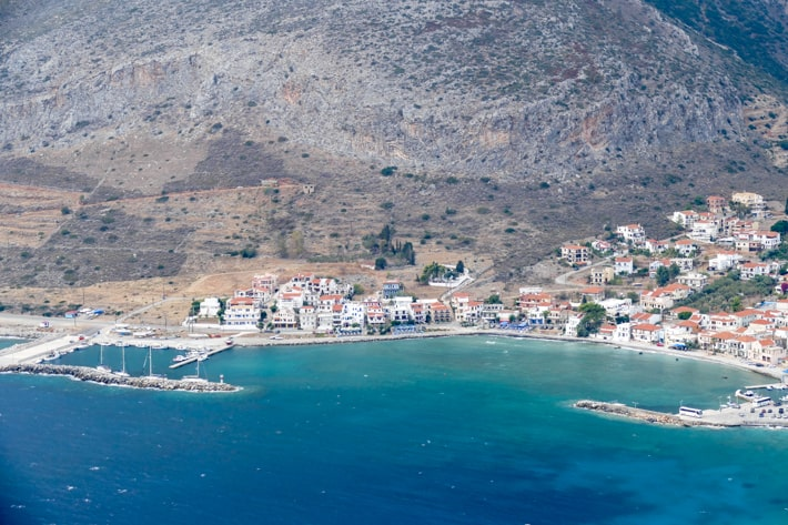 Monemvasia widok na port Gefira