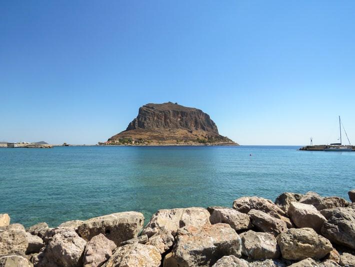 Monemvasia widok skały z portu Gefira