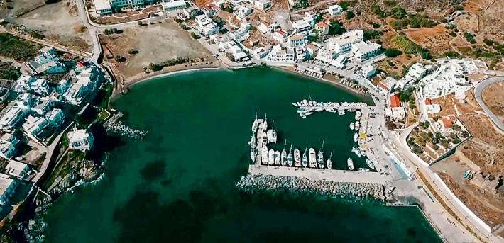 Port i zatoka Loutra widok z góry