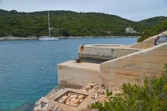 kotwicowisko przy bunkrze na wyspie vis