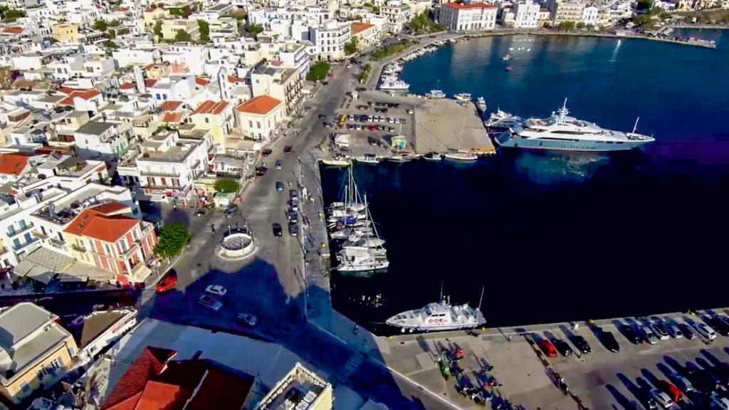 Port jachtowy w Tinos