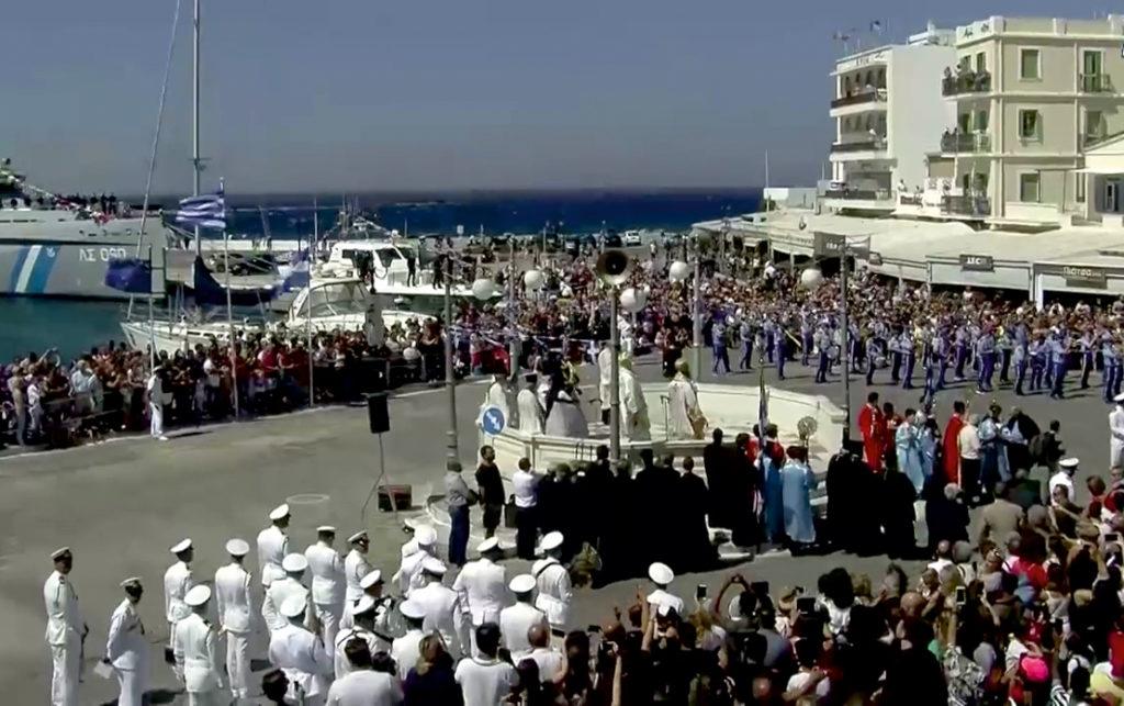 Procesja na wyspie Tinos