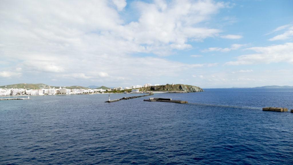 wejście do portu w Tinos