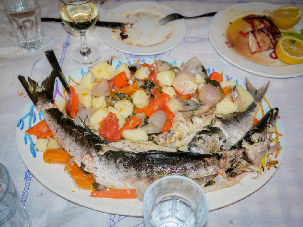 Tawerna Limanaki port Panormos zupa rybna