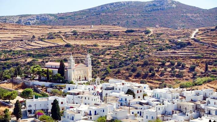 Miejscowość Lefkes na Paros