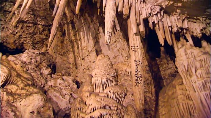 Wnętrze jaskini na Antiparos