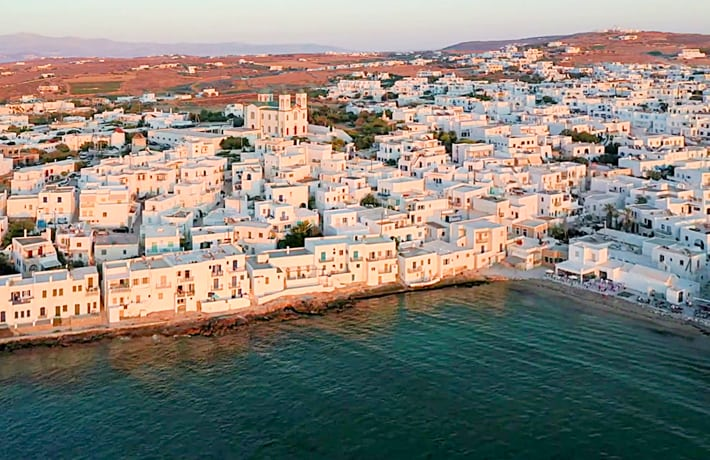 Miejscowosć Naoussa na Paros widok z góry