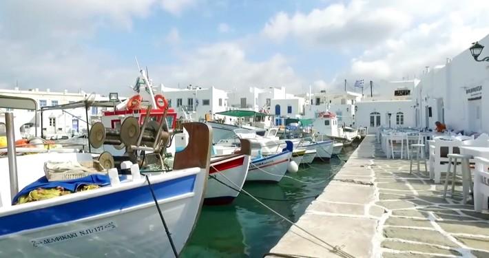 Port w Naoussa na Paros