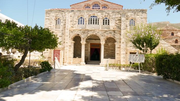 Kościół Panagia Ekatontapiliani w Paroikia
