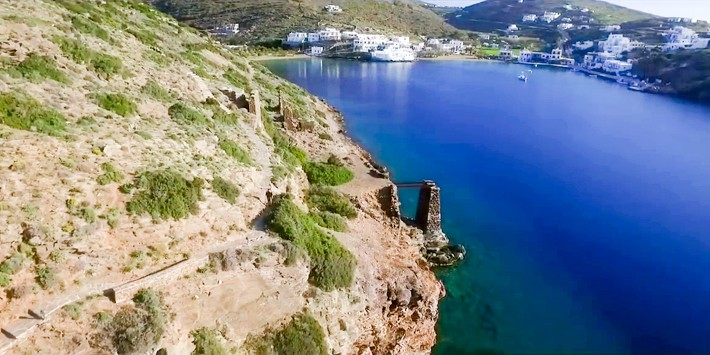 Faros - ścieżka do klasztoru Chrysopigi