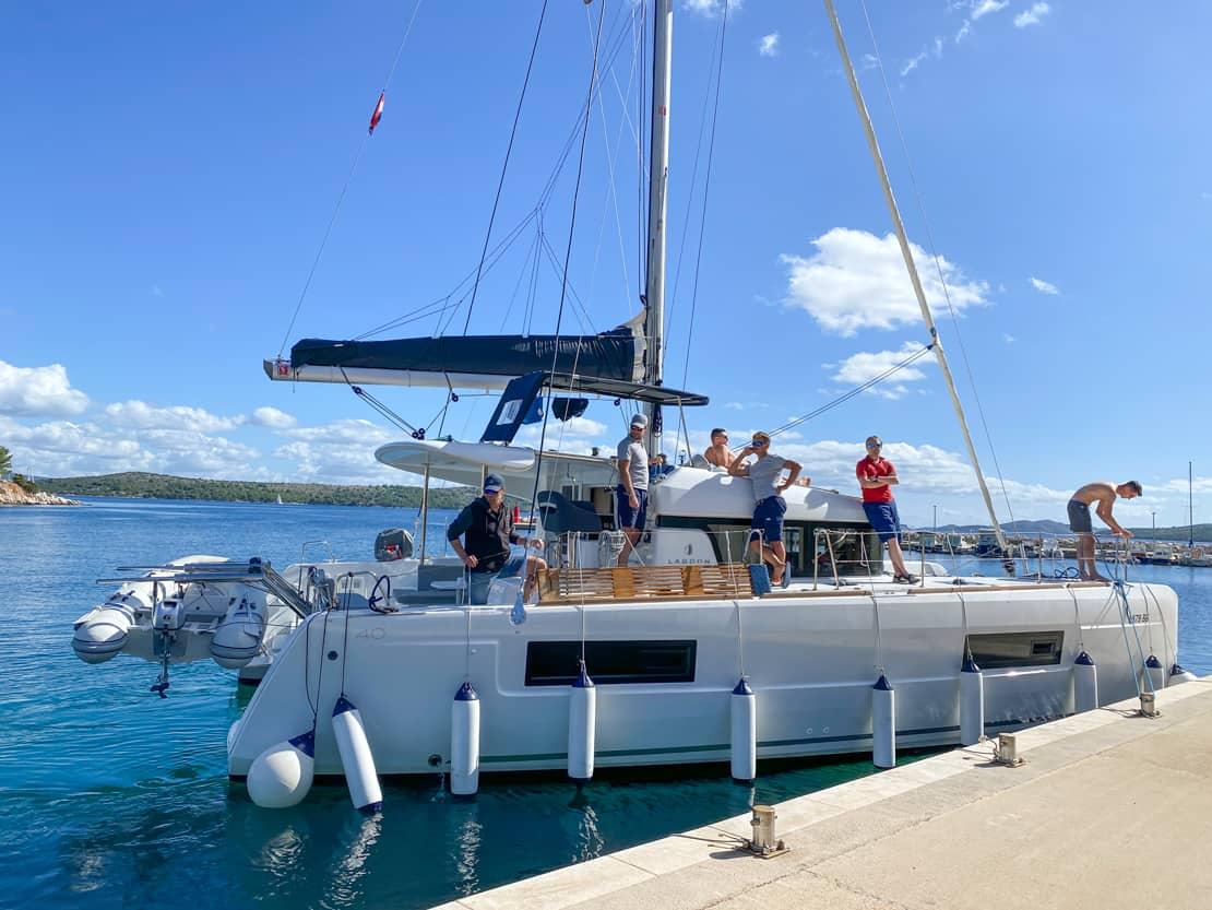 manewry katamaran szkolenie lagoon 40