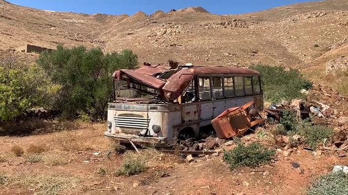 Wrak autobusu w Mega Livadhi