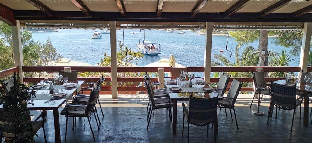restauracja na wyspie Marinkowac Chorwacja