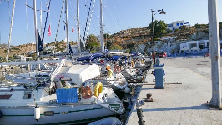 Port Psathi na wyspie Kimolos