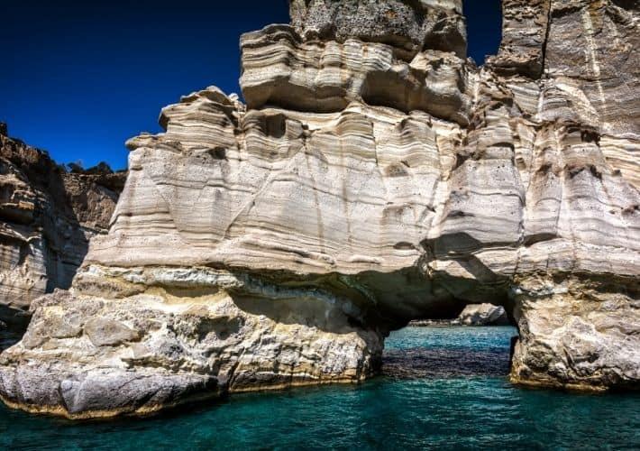 skały w zatoce Kleftiko