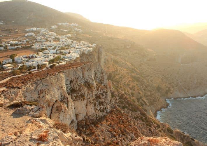 Chora na klifie Folegandros