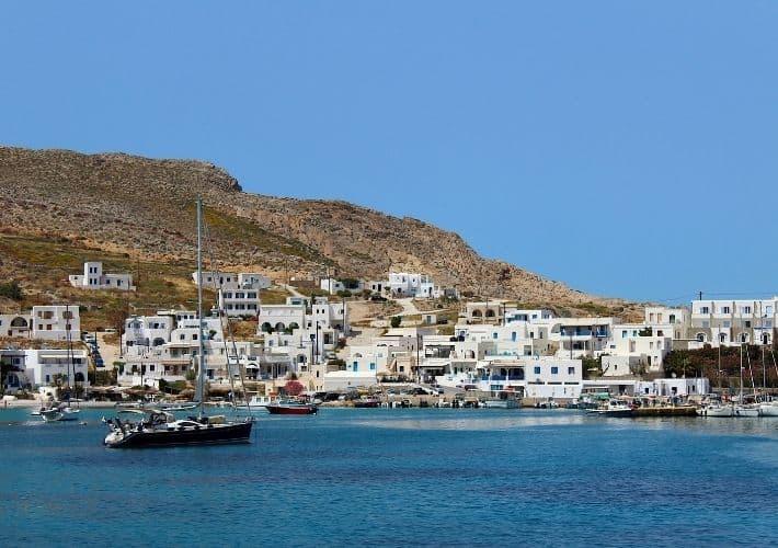 port w Folegandros