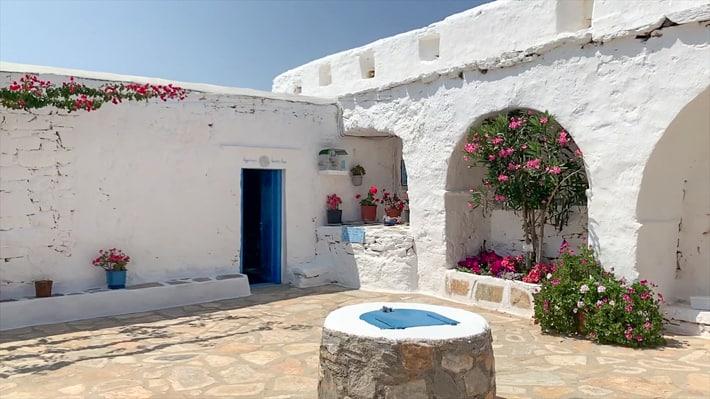 wejście do klasztoru Zoodochas
