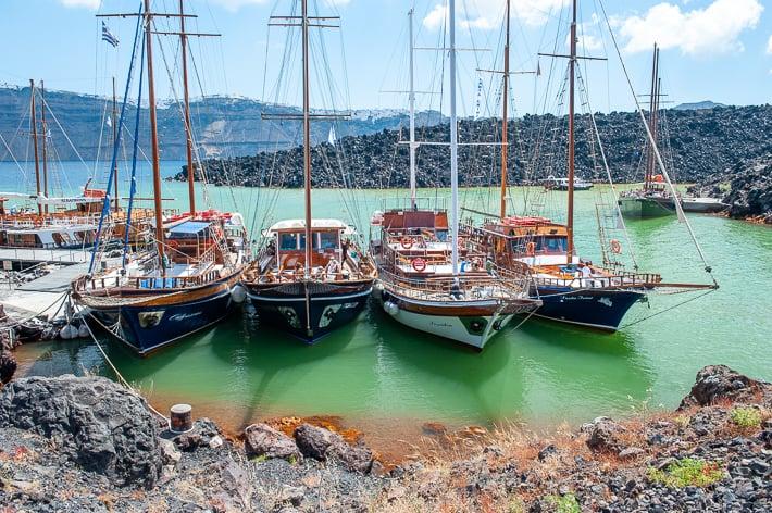 statki wycieczkowe na Nea Kameni