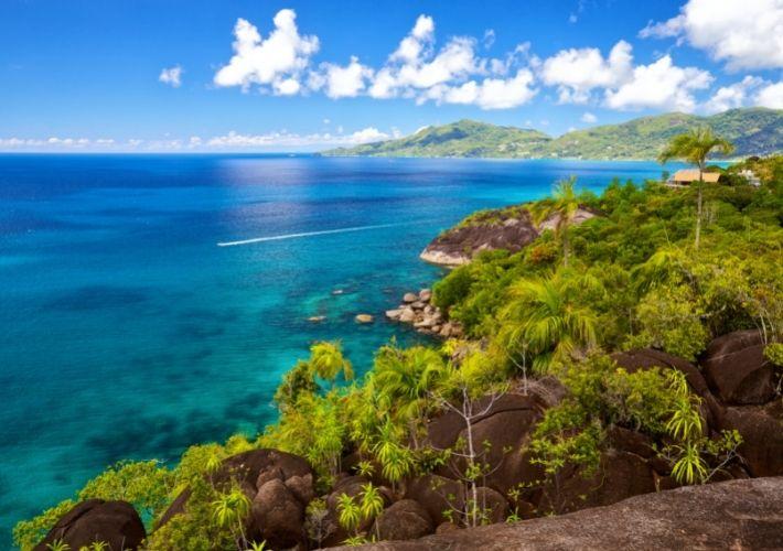 Wybrzeże wyspy Mahe na Seszelach