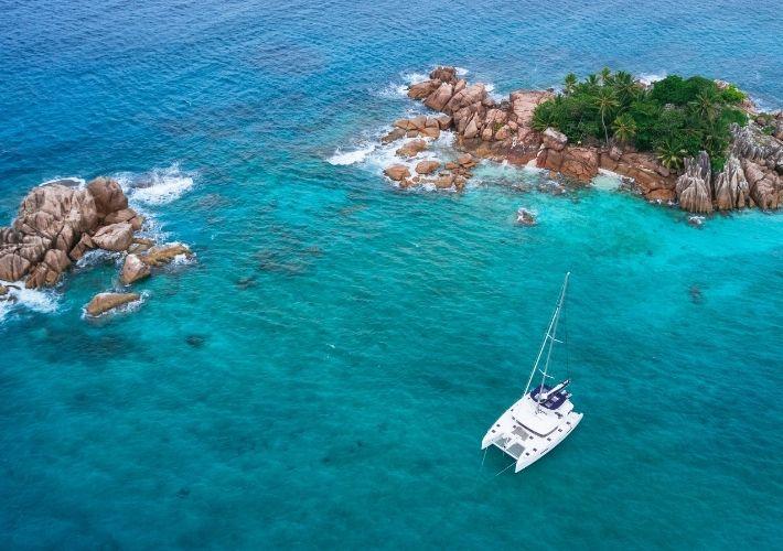 wybrzeże katamaran z drona